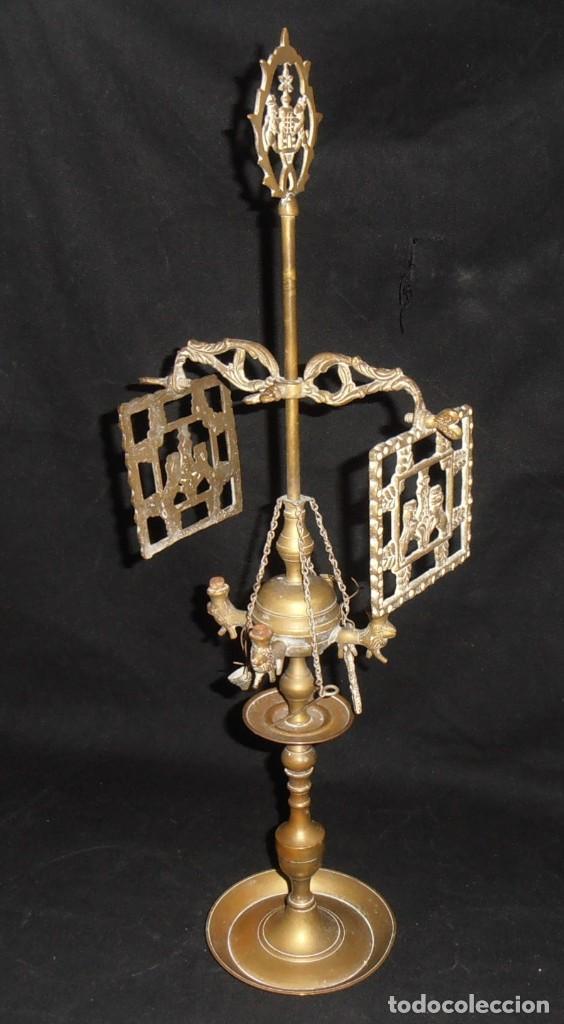 QUINQUE DE BRONCE DE COMBUSTION A ACEITE (Antigüedades - Iluminación - Quinqués Antiguos)