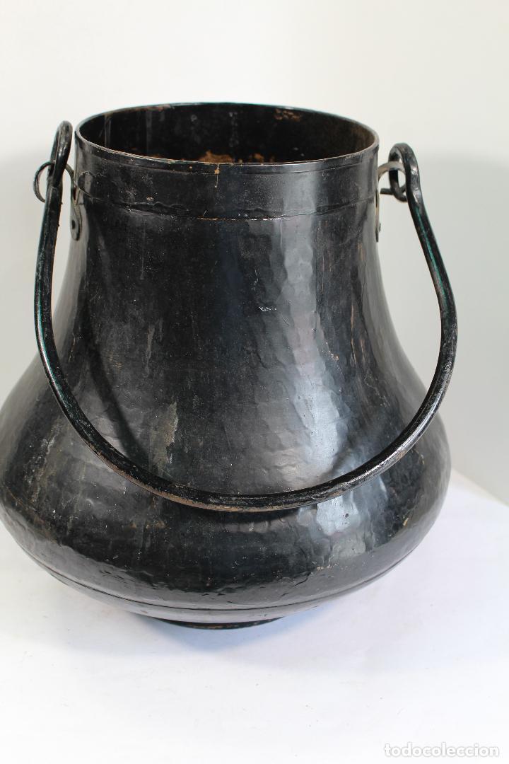 Antigüedades: Antigua herrada vasca de cobre olla siglo XIX - Foto 3 - 206855880
