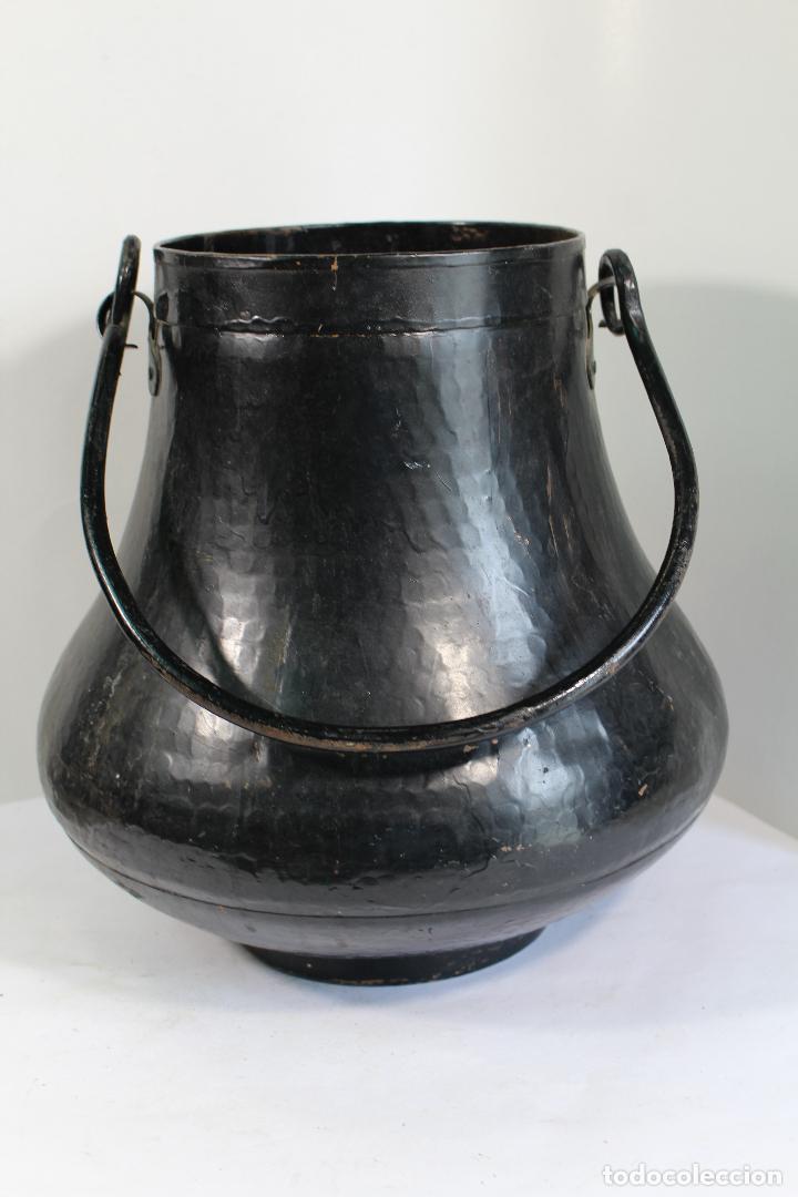 Antigüedades: Antigua herrada vasca de cobre olla siglo XIX - Foto 4 - 206855880