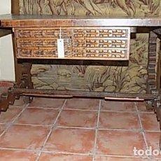 Antigüedades: MESA DE NOGAL. Lote 206863120
