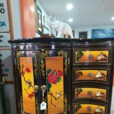 Antigüedades: MUEBLE ESTILO CINO PINTADO. Lote 206872010