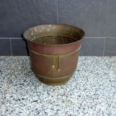 Antigüedades: MACETERO DE LATON.27 X 32 CM.. Lote 206944008