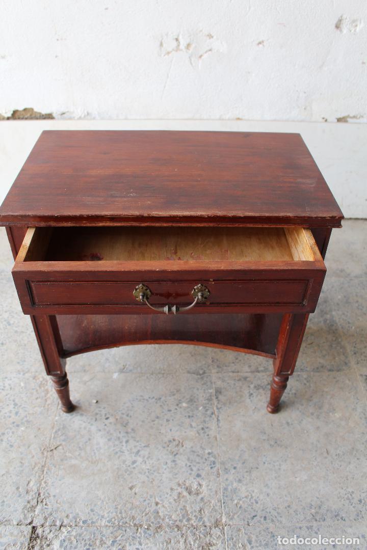 Antigüedades: mesilla antigua de madera - Foto 4 - 206956773