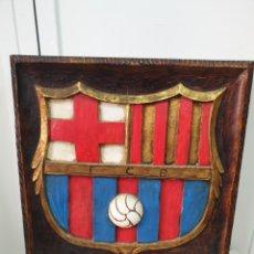 Antigüedades: RELIEVE DE MADERA FC BARCELONA 61X59. Lote 206959660