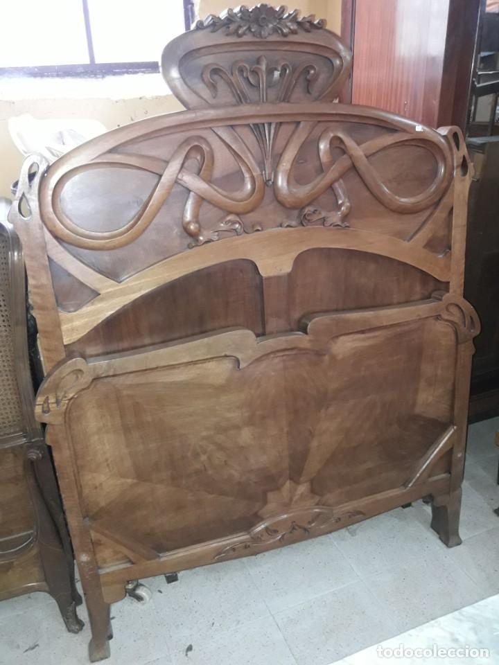 CAMA MODERNISTA (Antigüedades - Muebles Antiguos - Camas Antiguas)