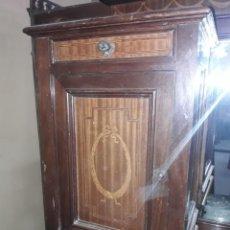 Antigüedades: MESILLA DE NOCHE. Lote 207008687