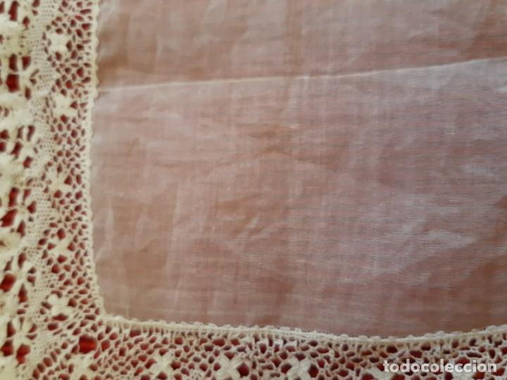 ANTIGUO PAÑUELO DE ENCAJE (Antigüedades - Moda - Pañuelos Antiguos)