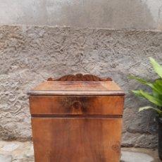 Oggetti Antichi: MESILLA DE NOCHE CLASICA. Lote 223819408