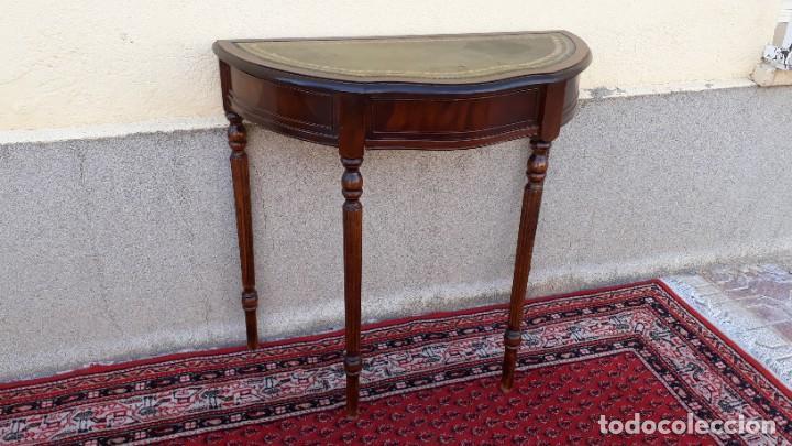 Antigüedades: Consola antigua cuero verde estilo inglés. Mesa auxiliar antigua vintage. Mueble recibidor entrada. - Foto 6 - 207084617