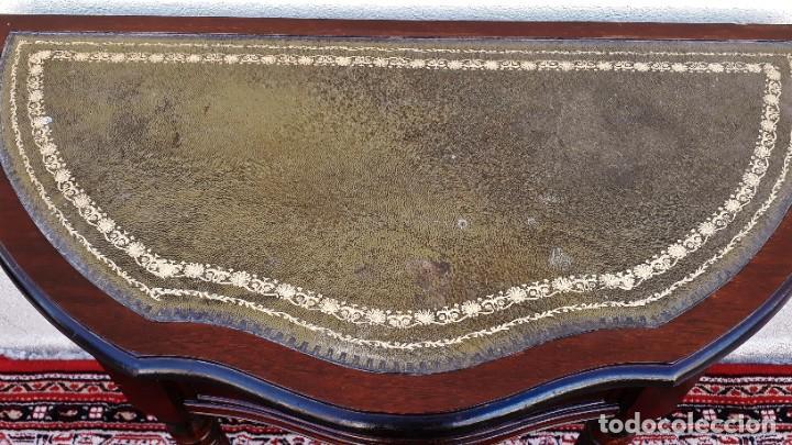 Antigüedades: Consola antigua cuero verde estilo inglés. Mesa auxiliar antigua vintage. Mueble recibidor entrada. - Foto 10 - 207084617