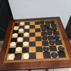 Antigüedades: MESA DE DAMAS,O DE AJEDREZ EN CAOBA LIMONCILLO, EBANO Y MARFIL. Lote 207106136