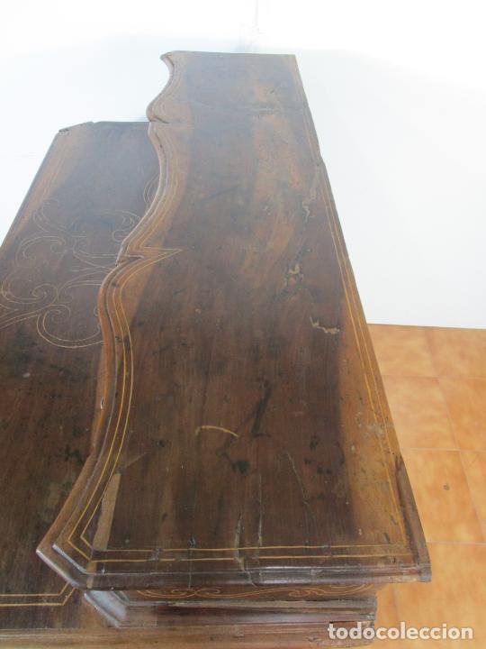 Antigüedades: Cómoda Catalana - Madera de Nogal y Marquetería - Cajones Superiores (Escambell) Bombeado - S. XVIII - Foto 34 - 207120946