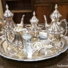 Antigüedades: JUEGO DE CAFÉ Y TÉ ALPACA BAÑO DE PLATA. CON DECORACIÓN. 6 PIEZAS . ESPECTACULAR. Lote 207190447