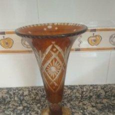 Antigüedades: JARRÓN ANTIGUO DE BOHEMIA. Lote 207192210