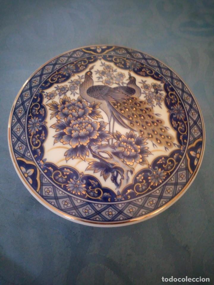 Antigüedades: Precioso joyero de porcelana IMPERIAL PEACOK,pavos reales con toques de oro. - Foto 2 - 207236527