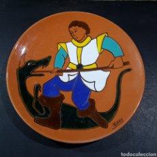 Antigüedades: PLATO DECORATIVO CERAMICA FIRMADO. Lote 207263771