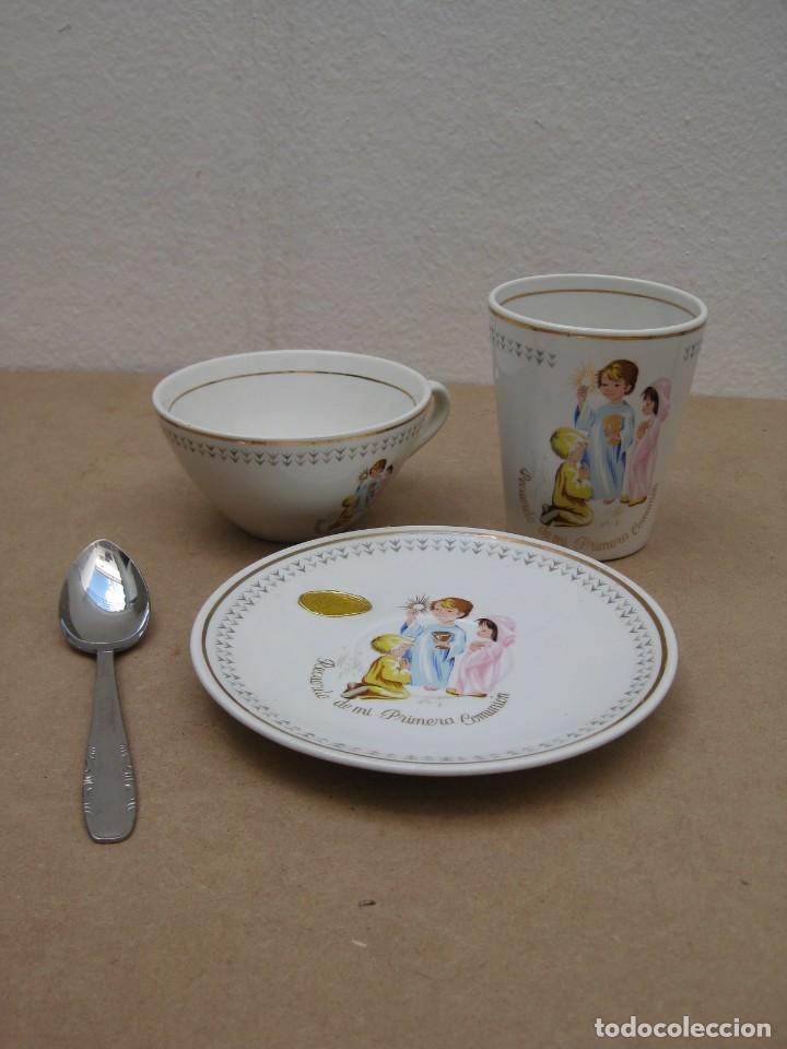 Antigüedades: Antiguo juego de porcelana.Rdo primera comunión.San claudio Oviedo. - Foto 13 - 207283592