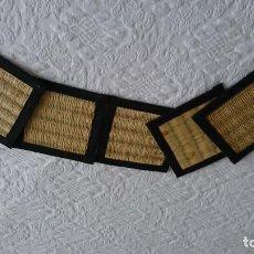 Antigüedades: ANTIGUOS POSAVASOS DE FIBRA, MADE INDONESIA, SON CINCO LA MEDIA DOCENA ORIENTAL.. Lote 207297801