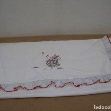 Antigüedades: SABANA PARA CUNA BORDADA A MANO.. Lote 207298265