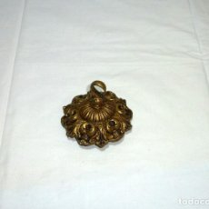Antigüedades: FLORON DE BRONCE PARA COLGAR LAMPARA DE TECHO.11 CM.DE DIAMETRO.. Lote 207337828