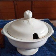 Antigüedades: SOPERA 25 CM D. PICKMAN CHINA OPACA MEDALLA DE ORO. Lote 207364420