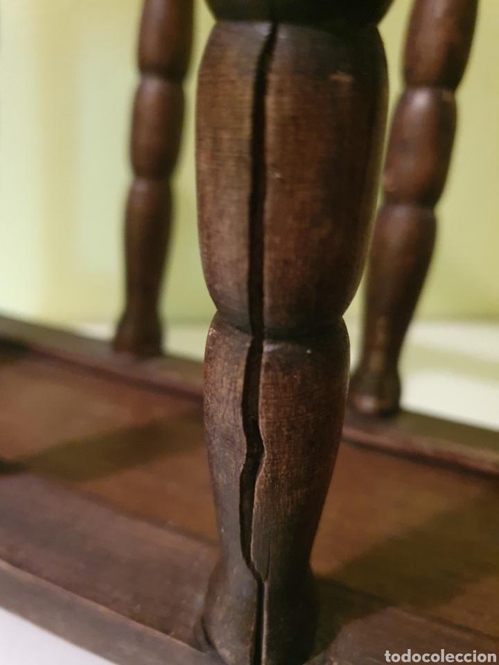 Antigüedades: VIEJO REVISTERO REALIZADO EN MADERA - Foto 3 - 207397038