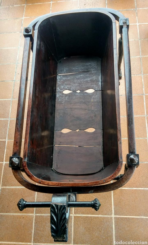 Antigüedades: Antigua cuna de madera. Siglo XIX. - Foto 4 - 207418611