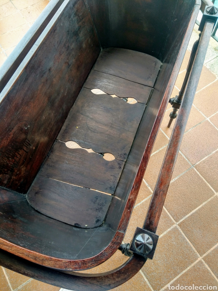 Antigüedades: Antigua cuna de madera. Siglo XIX. - Foto 6 - 207418611
