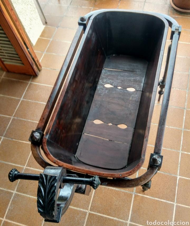 Antigüedades: Antigua cuna de madera. Siglo XIX. - Foto 8 - 207418611