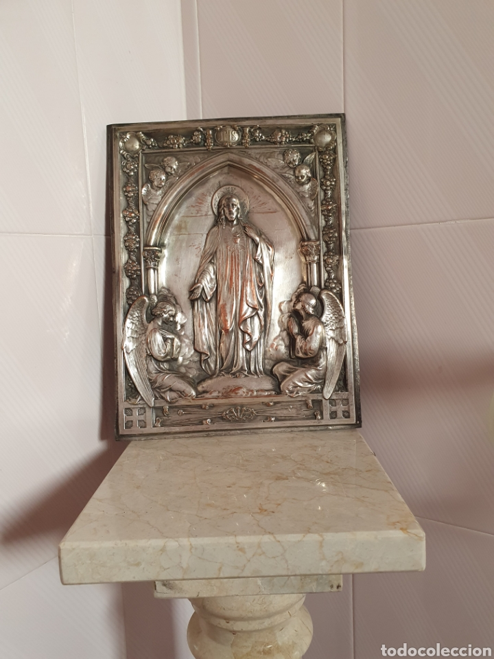 PRECIOSA PLACA DEL SAGRADO CORAZÓN EN RELIEVE ESTA REALIZADA EN COBRE CON BAÑO DE PLATA (Antigüedades - Religiosas - Orfebrería Antigua)