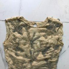 Antigüedades: TOP SEDA VINTAGE BORDADO EN PEDRERÍA. Lote 295913933