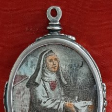 Antigüedades: BEATA MARIA ANA DE JESÚS, MERCENARIA DESCALZA. RELICARIO DE PLATA CON 2 VITRALES. S. XVIII.. Lote 207461891