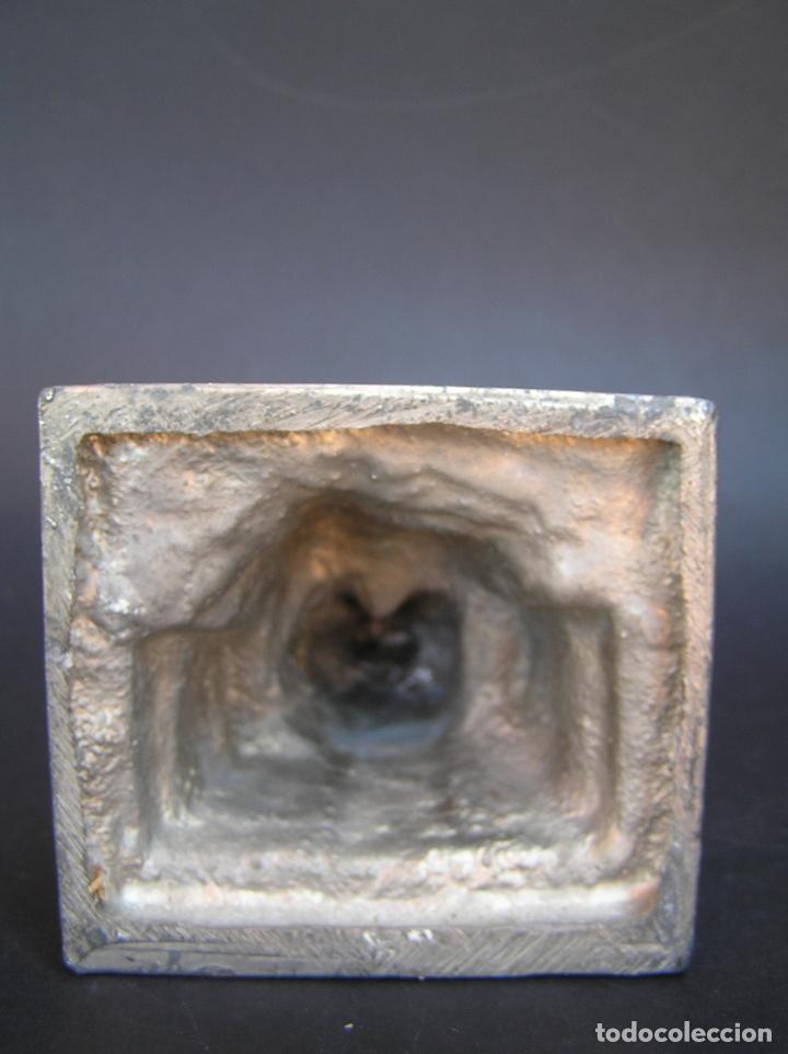 Antigüedades: FIGURA DE ÁNGEL SEDENTE. Estaño niquelado. 10 cm. de altura .Circa 1900. - Foto 17 - 207485400