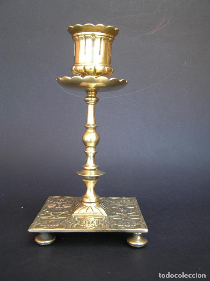Antigüedades: Precioso candelero TOWNSHEND & CO . Circa 1900. .15 cm. - Foto 15 - 207489346