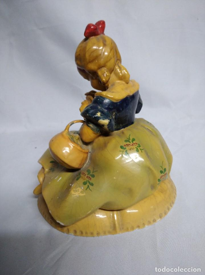 Antigüedades: Figura de niña fabricada en escayola. - Foto 3 - 207571061