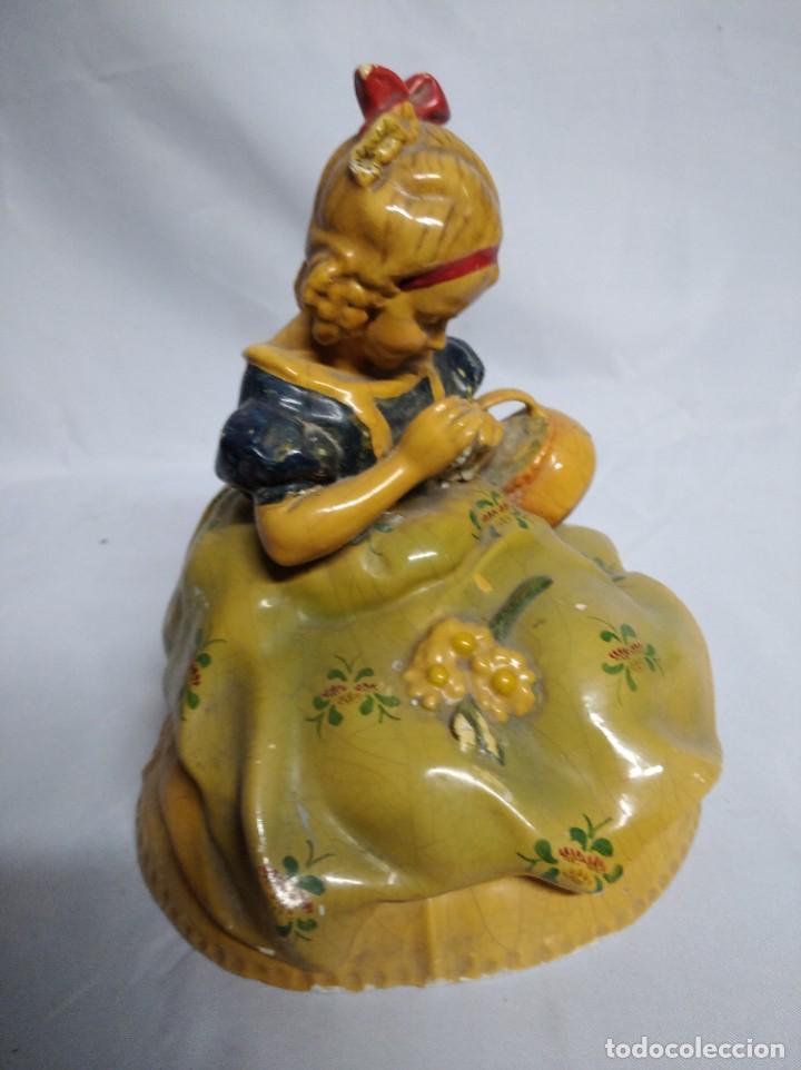 Antigüedades: Figura de niña fabricada en escayola. - Foto 6 - 207571061