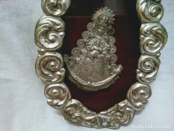 Antigüedades: Precioso relicario capilla Virgen del Rocio.Principios siglo XX. 10 cm por 15 cm. - Foto 5 - 207572240