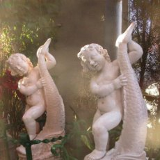 Antigüedades: PAREJA DE ANGELOTES DE CERAMICA DE TRIANA. Lote 207576843