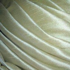 Antigüedades: TOCADO PARA VIRGEN VESTIR TAMAÑO REAL COLOR BEIGE DORADO 3 METROS CHANTUN SEDA SALVAJE SEMANA SANTA. Lote 207579937