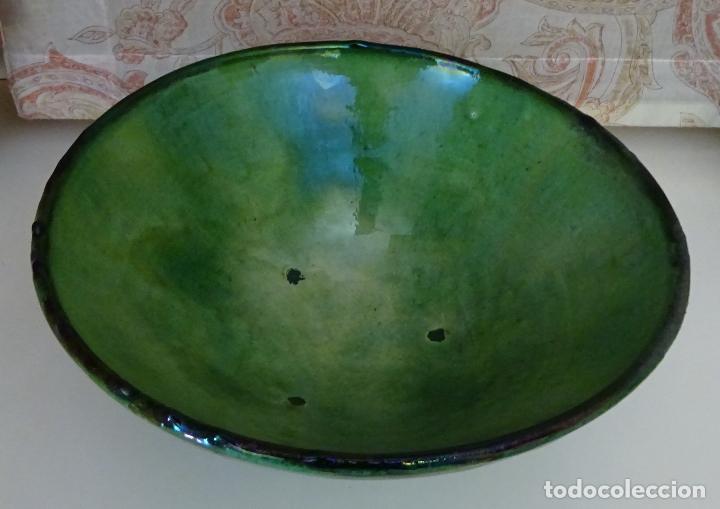 NIJAR ALMERÍA FUENTE CERÁMICA ALFARERIA POPULAR. DIÁMETRO 30 CM ALTO 12 CM. CHORREONES (Antigüedades - Porcelanas y Cerámicas - Otras)
