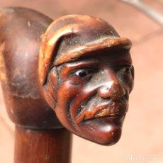 Antigüedades: ANTIGUO BASTÓN SIGLO XLX. TALLA CON OJOS DE CRISTAL. Lote 207698333