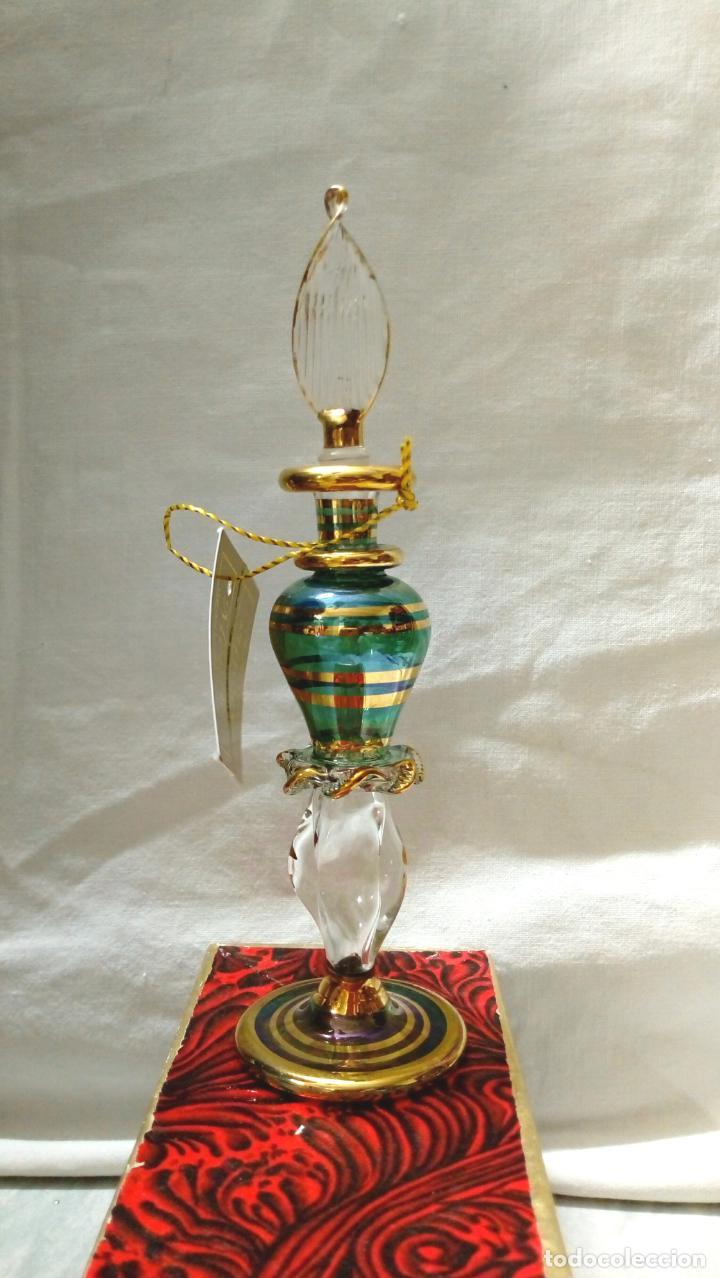 Antigüedades: perfumero cristal de bohemia con tonos verdosos filos oro 24 k - Foto 2 - 207709100