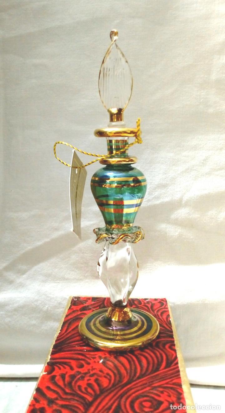 Antigüedades: perfumero cristal de bohemia con tonos verdosos filos oro 24 k - Foto 3 - 207709100