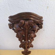 Antigüedades: MÉNSULA DE CAOBA TALLADA A MANO. Lote 207730880