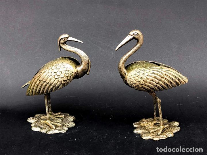 Antigüedades: Pareja de garzas reales.. Metal. Circa 1900. Japón ? 11,5 cm. - Foto 2 - 207761030