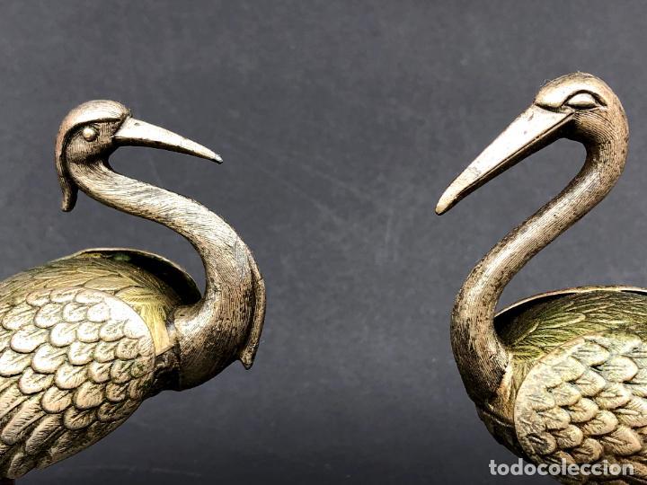 Antigüedades: Pareja de garzas reales.. Metal. Circa 1900. Japón ? 11,5 cm. - Foto 3 - 207761030