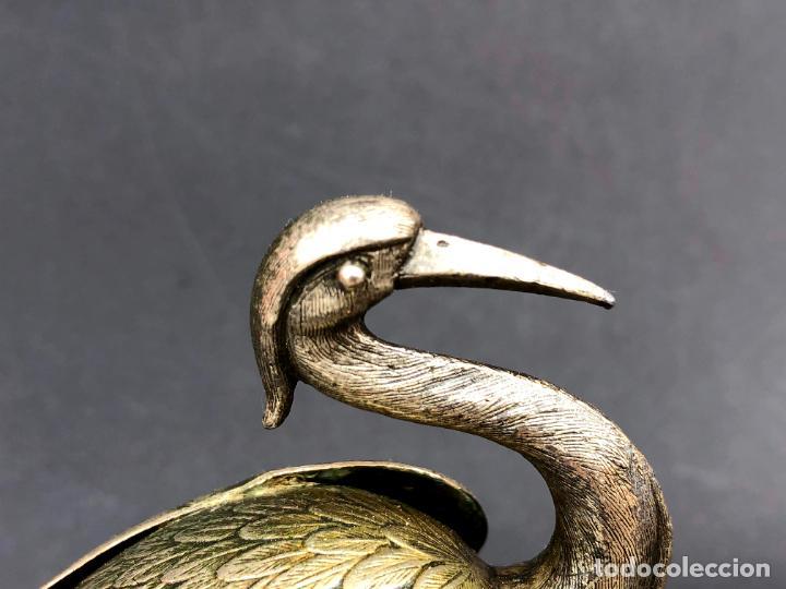 Antigüedades: Pareja de garzas reales.. Metal. Circa 1900. Japón ? 11,5 cm. - Foto 4 - 207761030