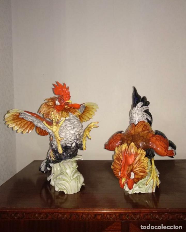 PAREJA GALLOS DE ALGORA (Antigüedades - Porcelanas y Cerámicas - Algora)