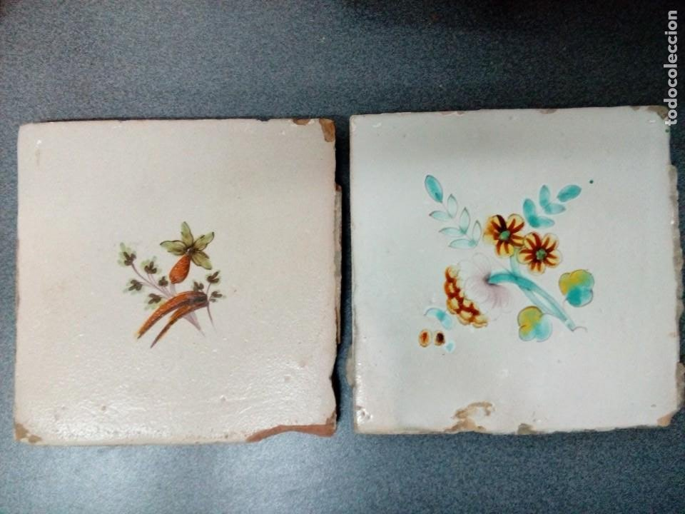 DOS AZULEJOS SIGLO XVIII.MEDIDA 20X20 (Antigüedades - Porcelanas y Cerámicas - Azulejos)