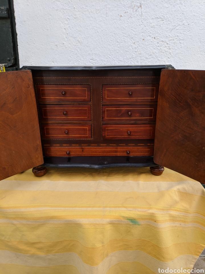 Antigüedades: Mueble de radio tranformado en bargueño, caoba - Foto 5 - 207838546